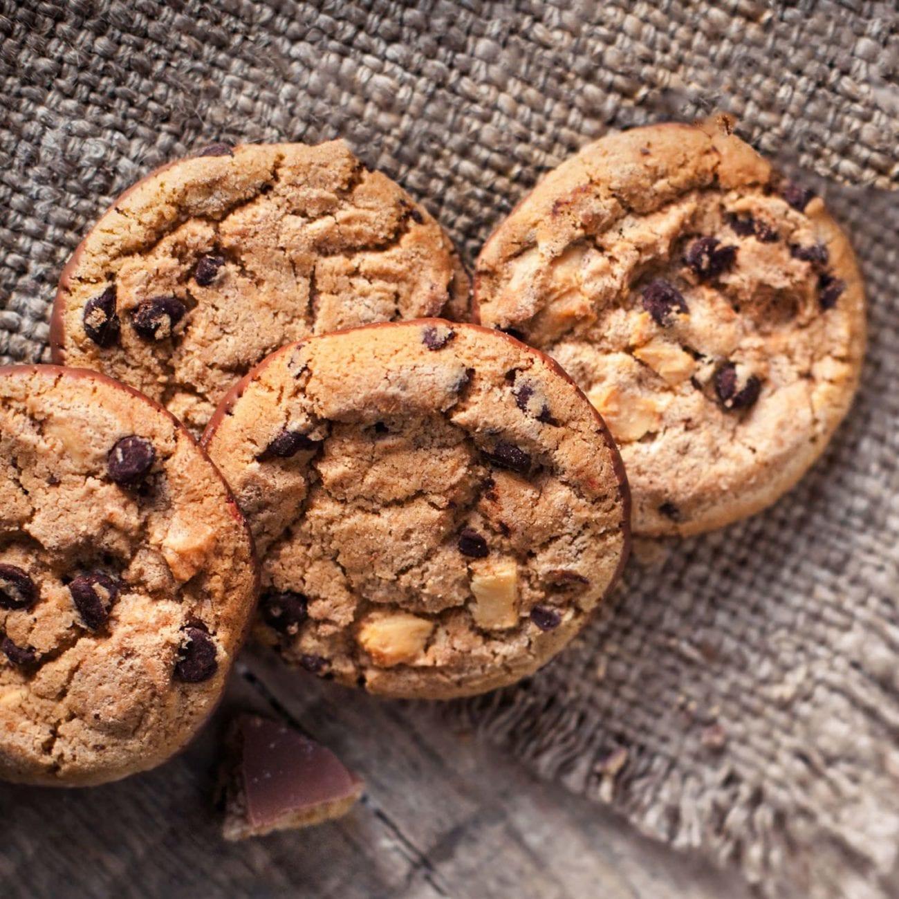 Salted caramel lava cookies