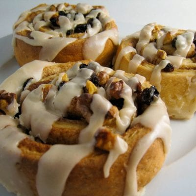 Recipe - Vegan cinnamon and pecan pastries