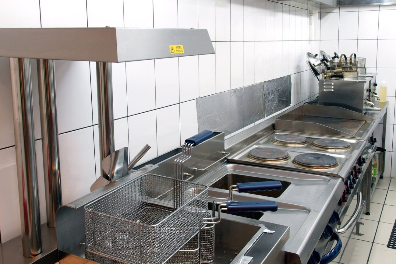 Grease traps for restaurant sewerage